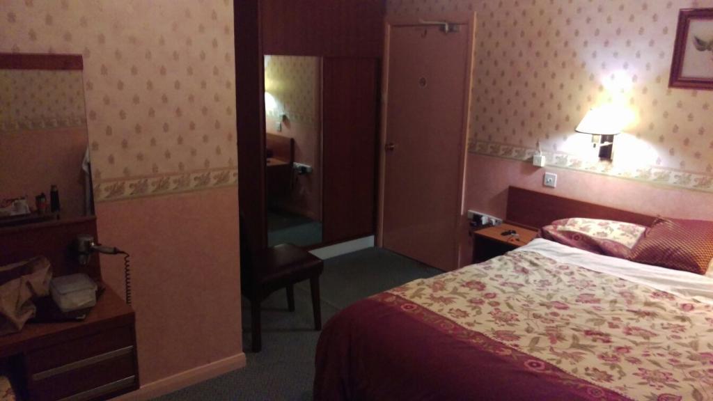 ライム カントリー ハウス ホテル