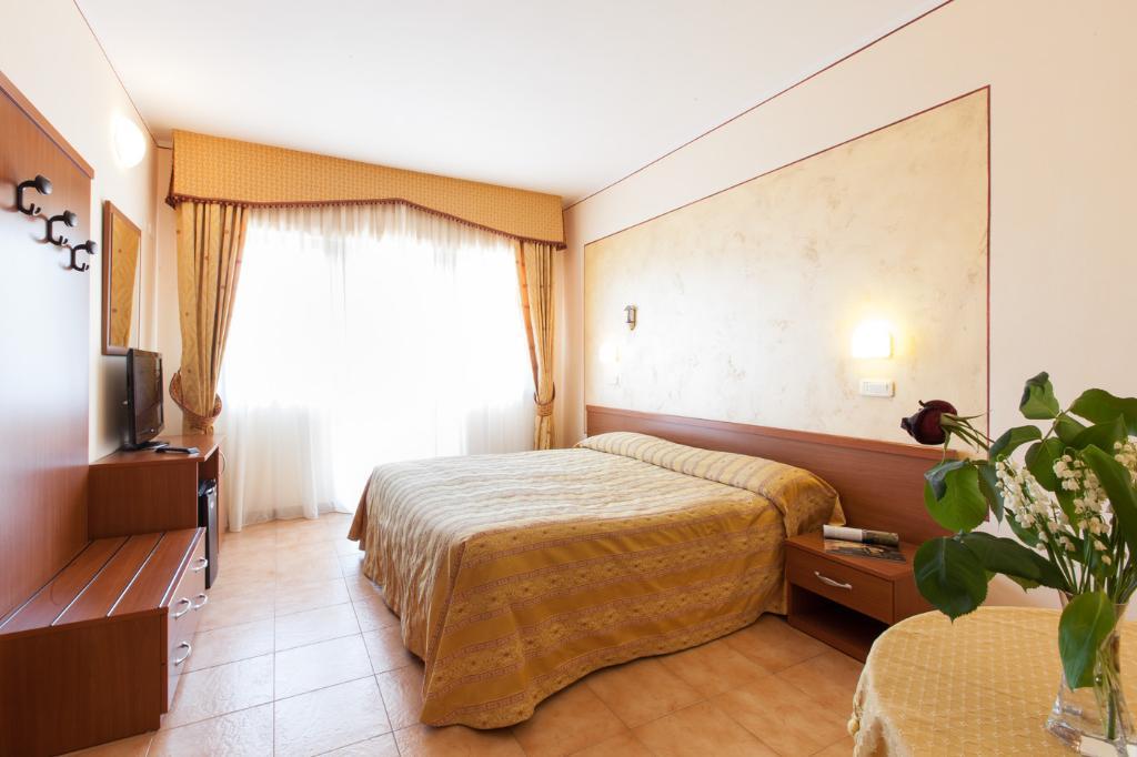 ホテル ファブリーニ