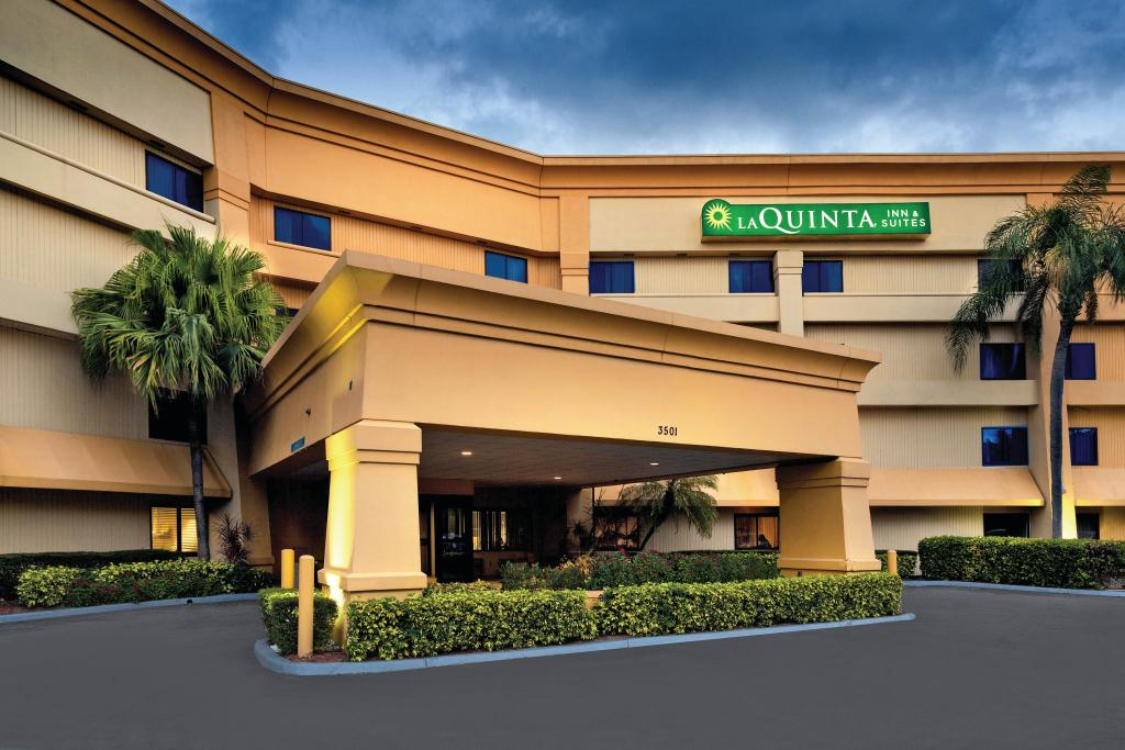 ‪La Quinta Inn & Suites Miami Airport East‬