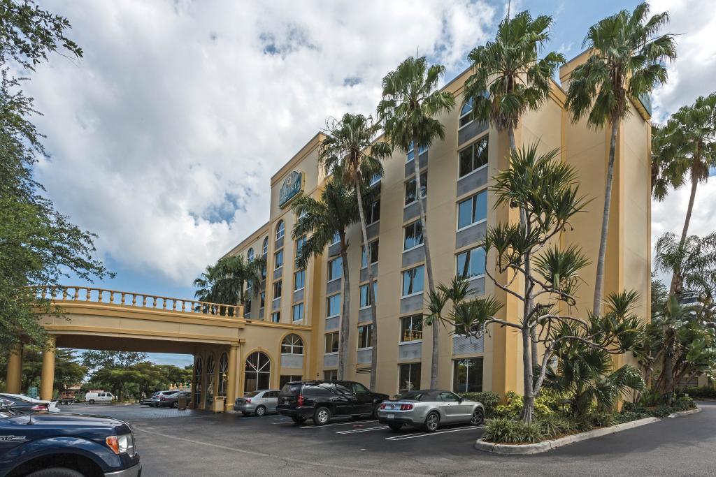 西棕櫚灘 I-95 拉昆塔套房飯店