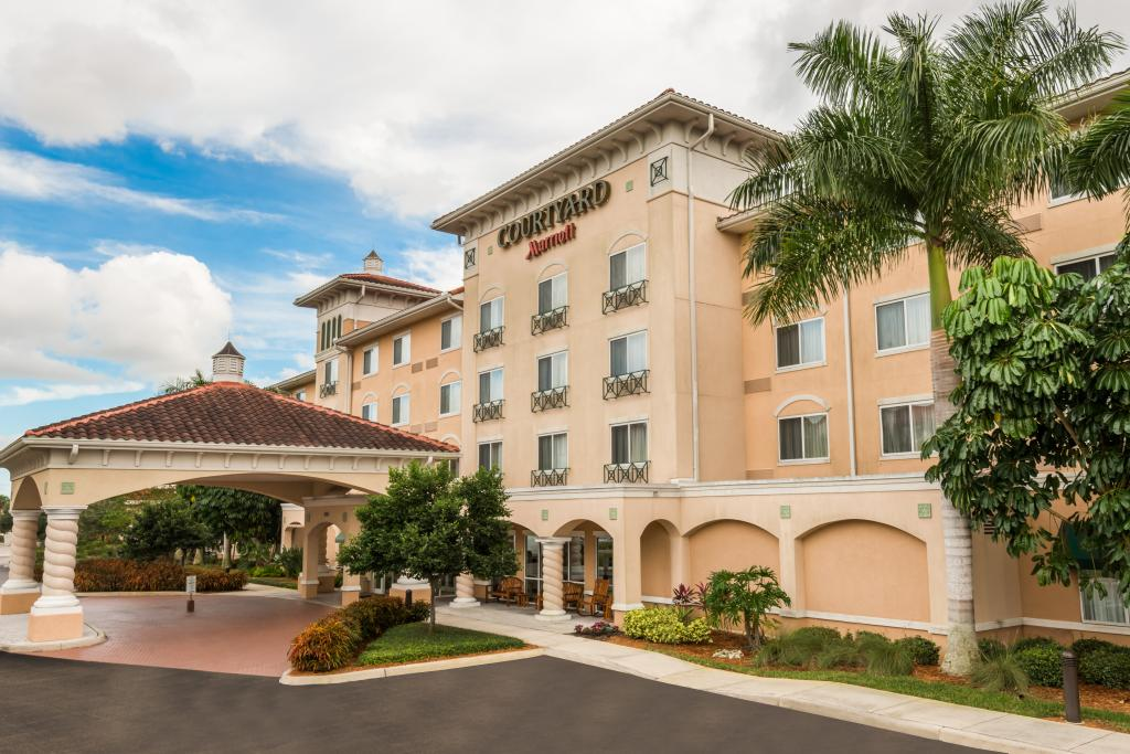 ‪Courtyard by Marriott Fort Myers - Gulf Coast Town Center‬