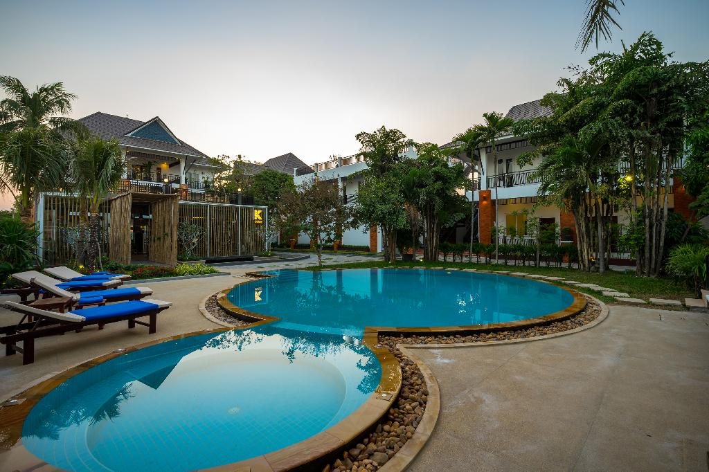 Les Bambous Luxury Hotel