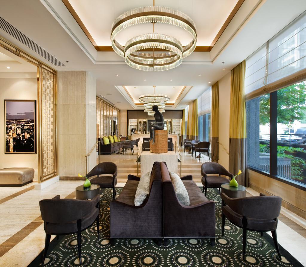 옴니 몽-루아얄 호텔