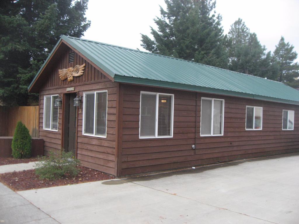 9 Bar W Cabins