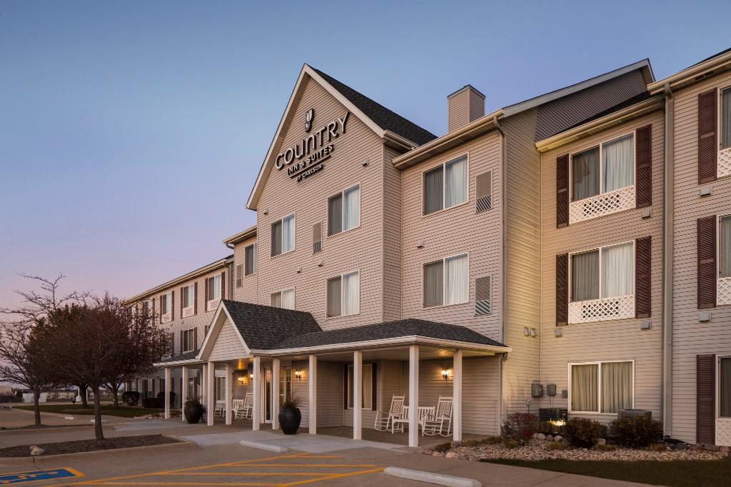 ‪Country Inn & Suites By Carlson, Bloomington-Normal Airport‬