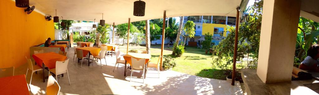 Good Life Garden Restaurant