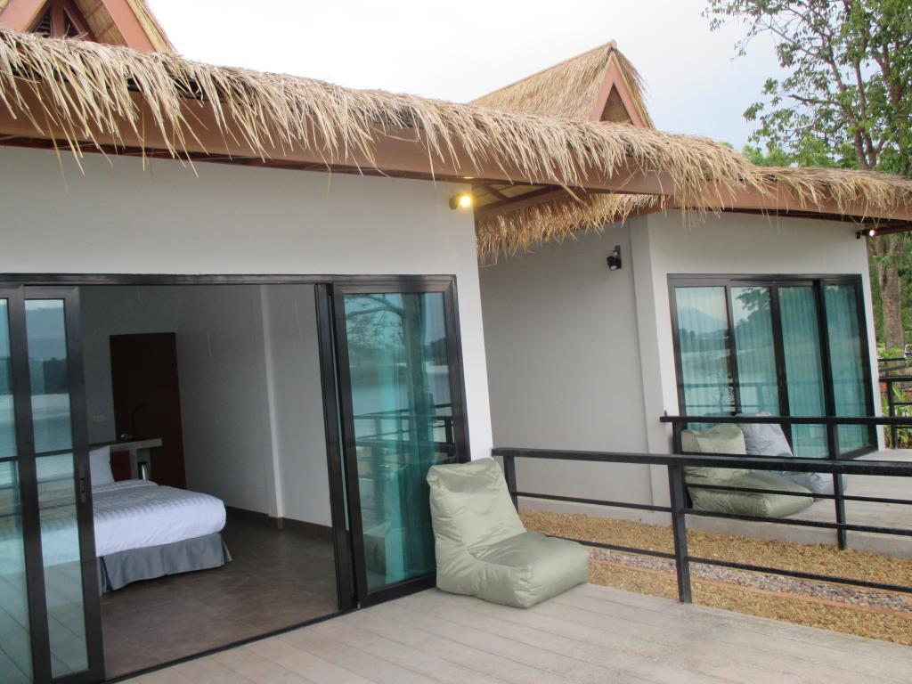 Sanctuary Nam Ngum Beach Resort