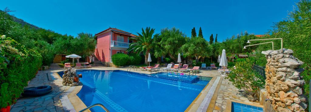 Kyprianos studios & apartments