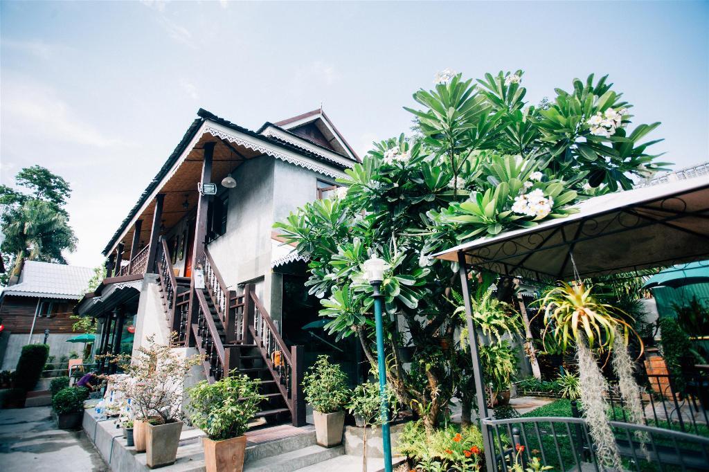 Buri Gallery House