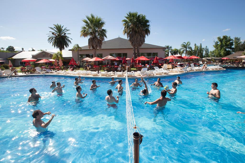 Howard Johnson Hotel & Marinas San Pedro Resort