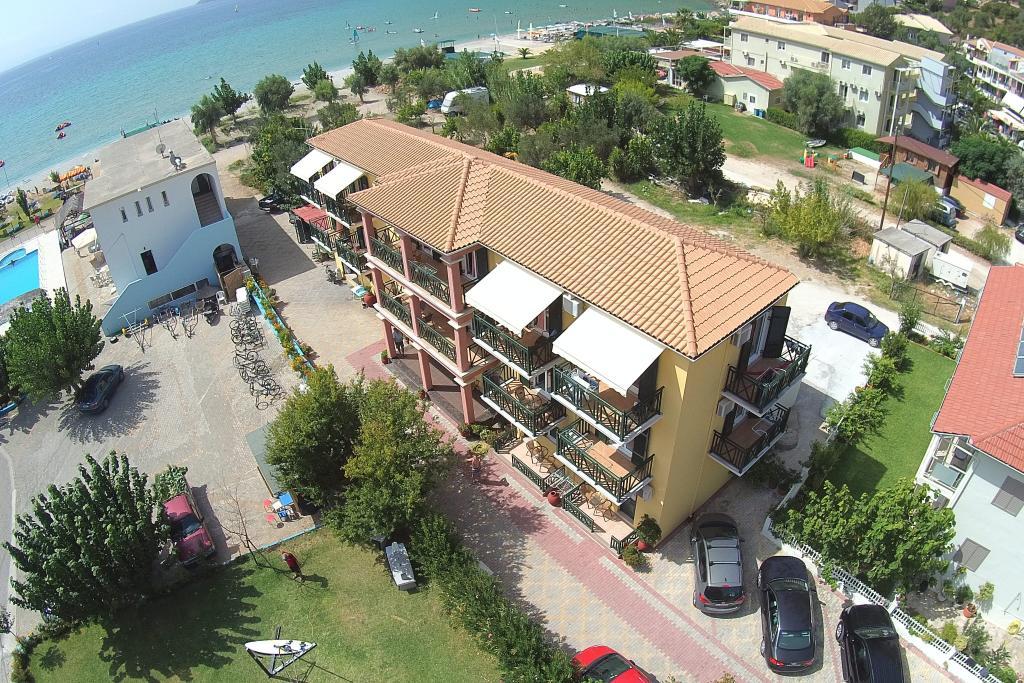 Bayside Apartments & Studios