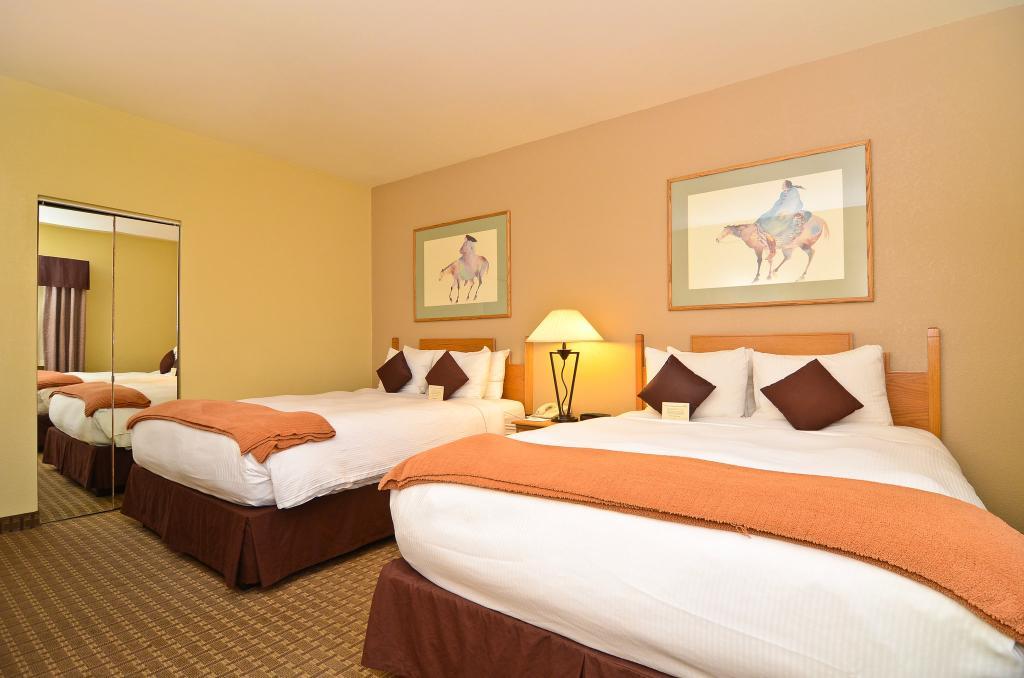 BEST WESTERN Turquoise Inn & Suites