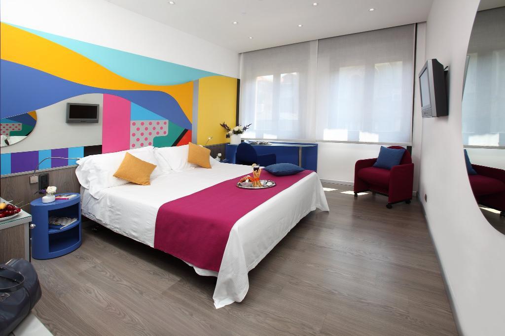 メディオラナム ホテル