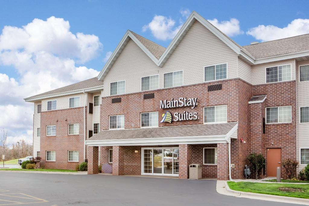 MainStay Suites Milwaukee Airport