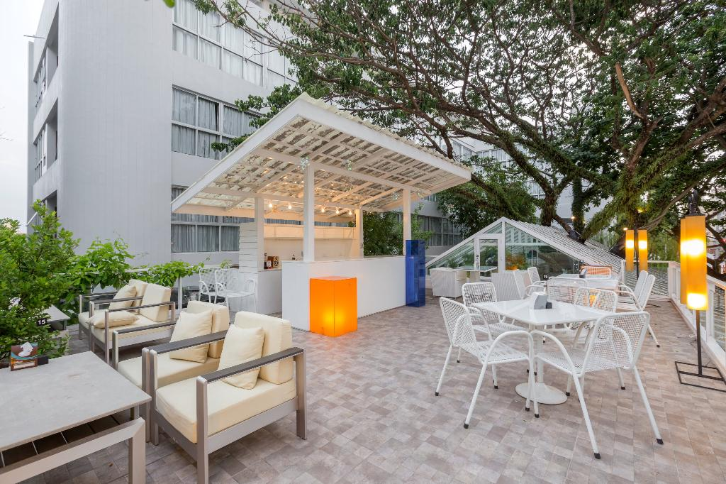 시노 하우스 푸켓 호텔 앤드 아파트먼트