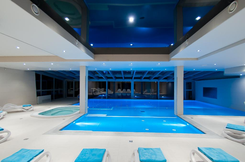 New Wave Hotel & Spa