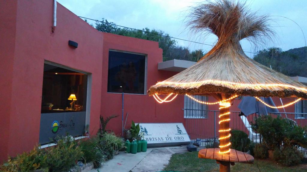 Brisas de Oro Hotel y Cabanas