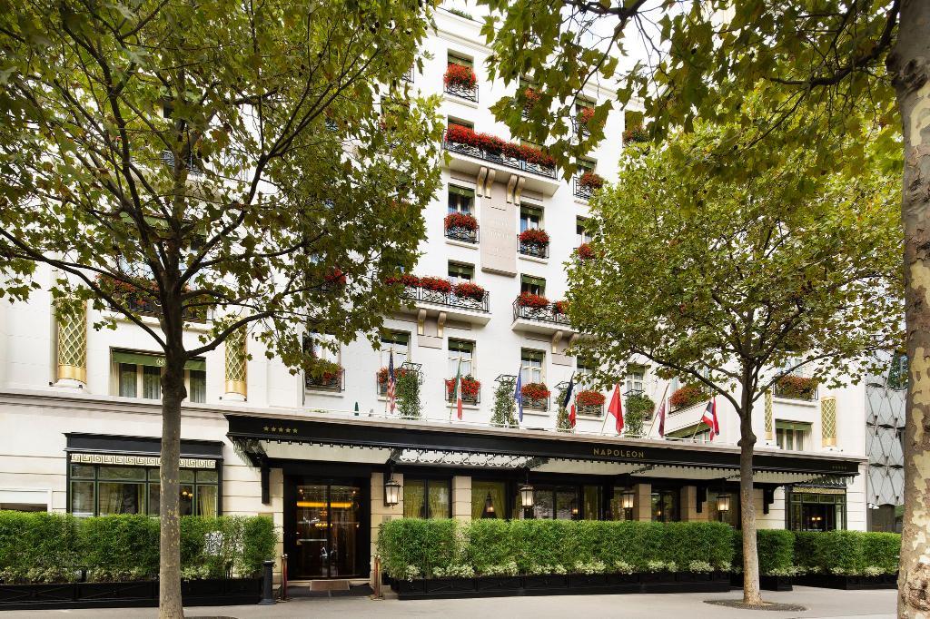 โรงแรมนาโปเลียน ปารีส