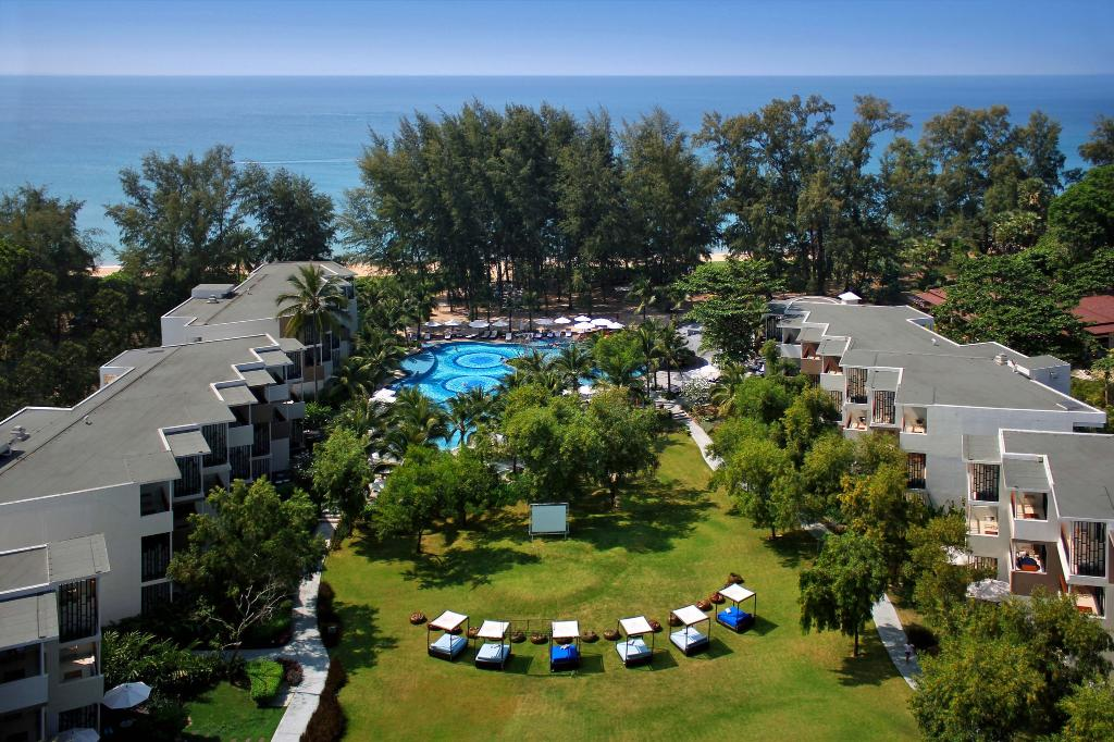 Holiday Inn Phuket Mai Khao Beach Resort