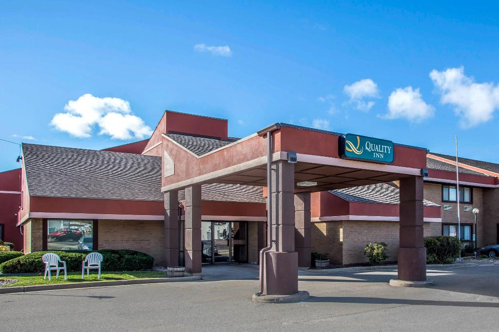Quality Inn - Marshfield