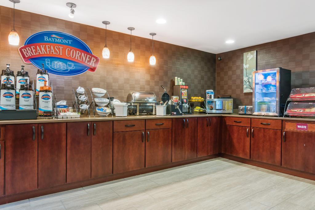 Baymont Inn & Suites Eau Claire