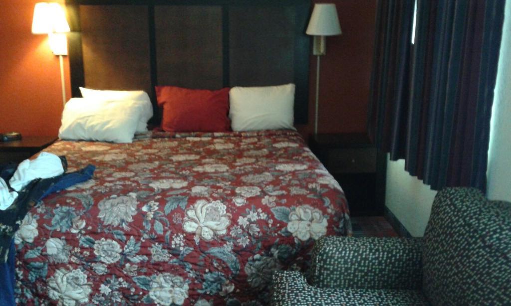 檀香單間公寓及套房飯店