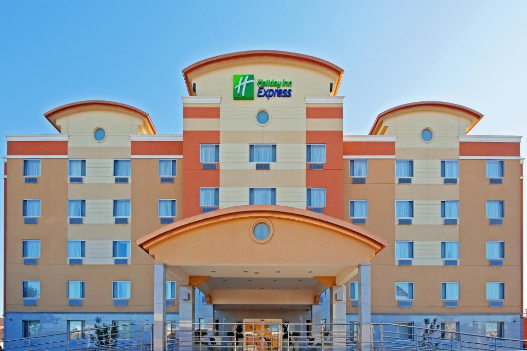Holiday Inn Express Maspeth, Queen New York