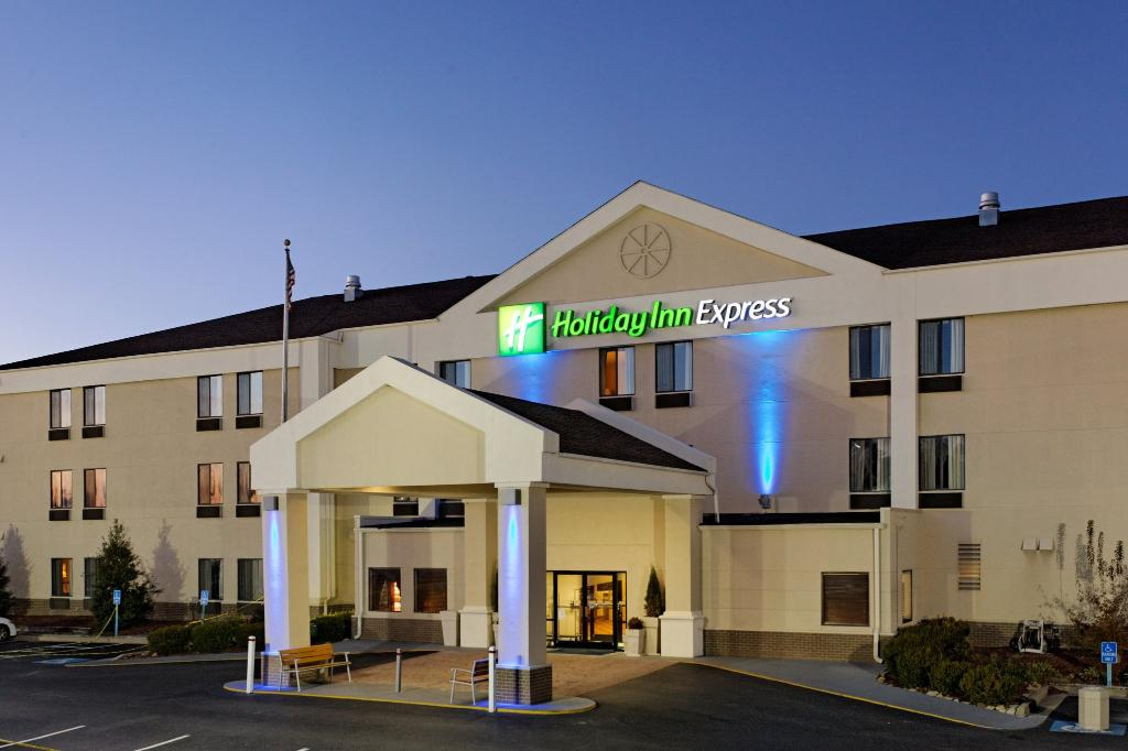 Holiday Inn Express Metropolis