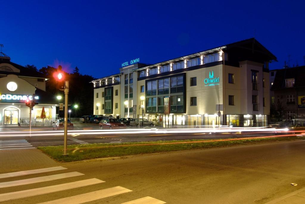 オリウスキ ホテル