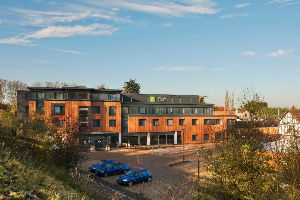 Holiday Inn Express Cambridge Duxford M11 Jct 10