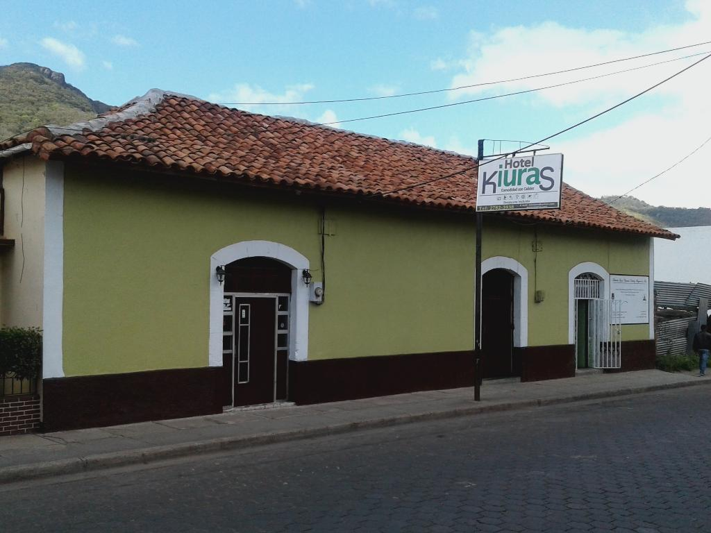 Hotel Kiuras Cafe and Restaurant