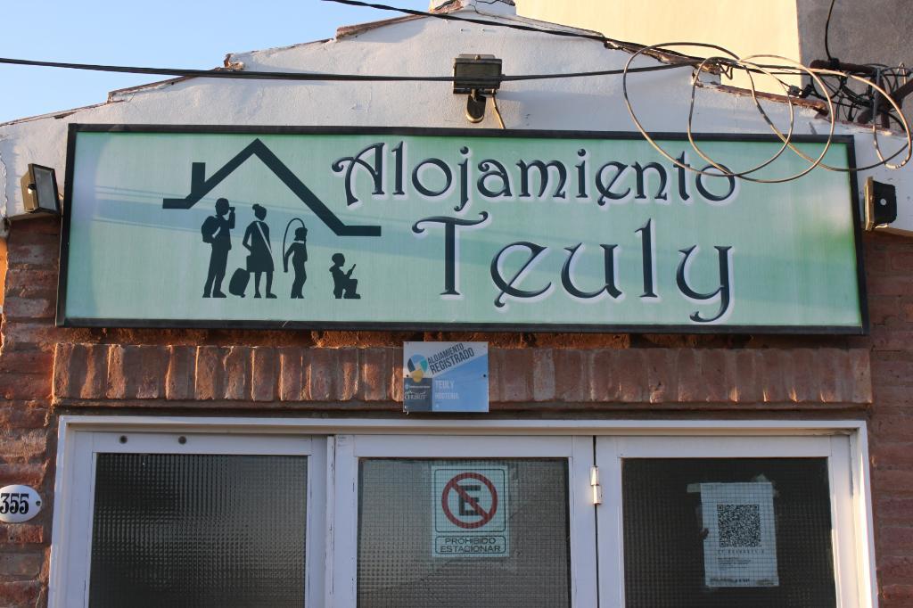 Hostera Teuly