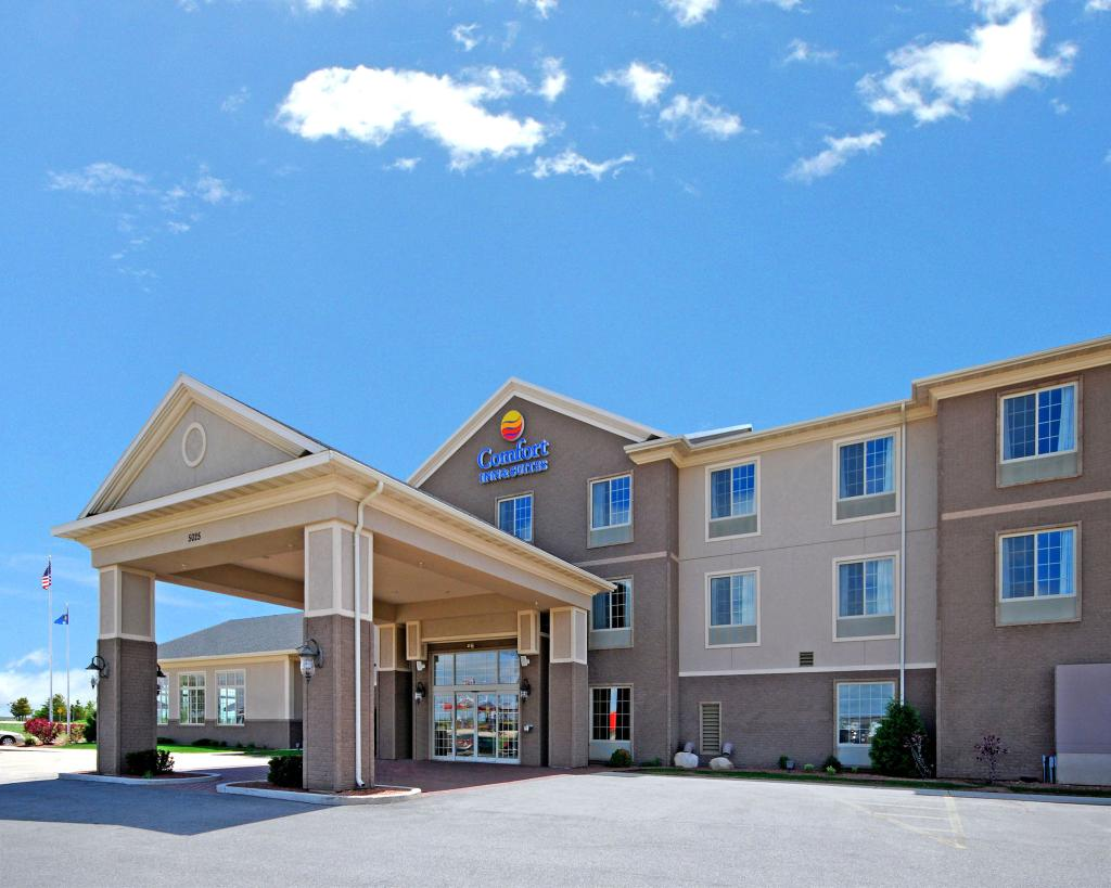 Comfort Inn & Suites Madison North
