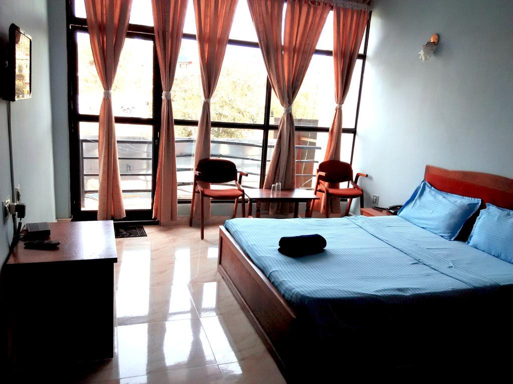 Vedanta Wake Up - Madikeri Town Center