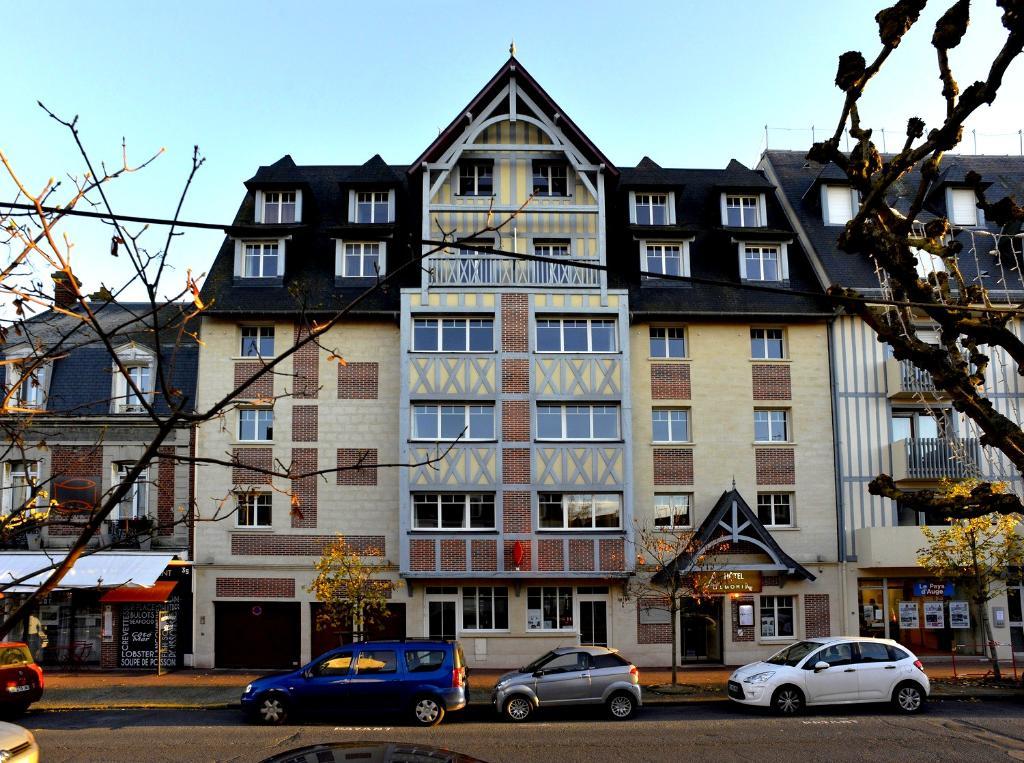 阿爾莫利亞酒店