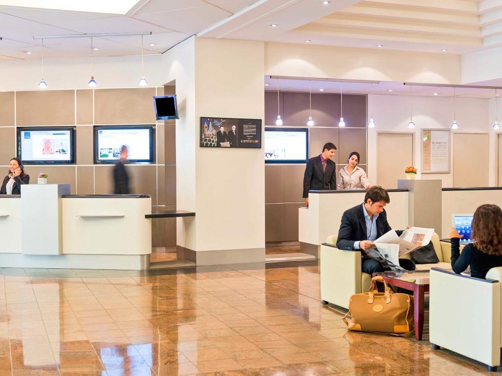 尼斯阿里納斯諾富特機場酒店