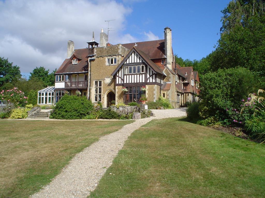 Farnham House Hotel