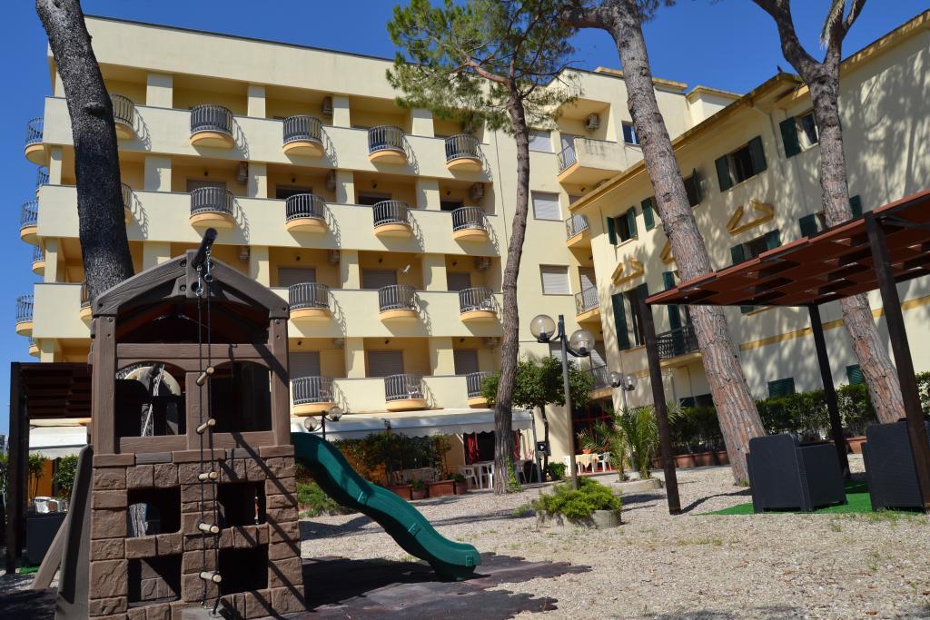 Hotel Quattro Palme