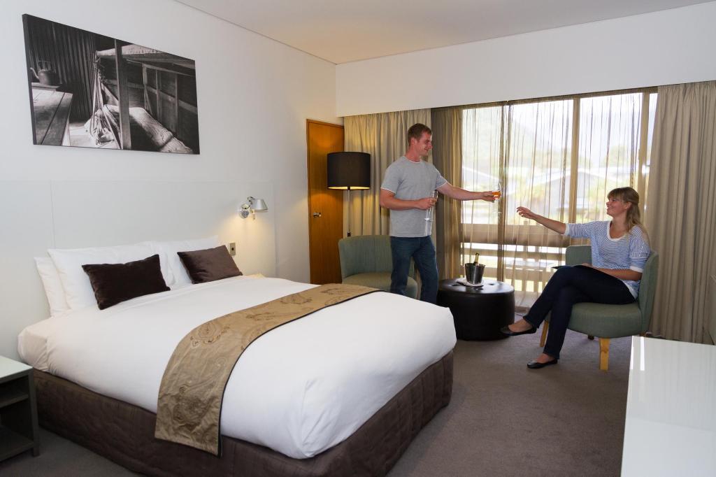 Scenic Hotel Franz Josef Glacier Hotel