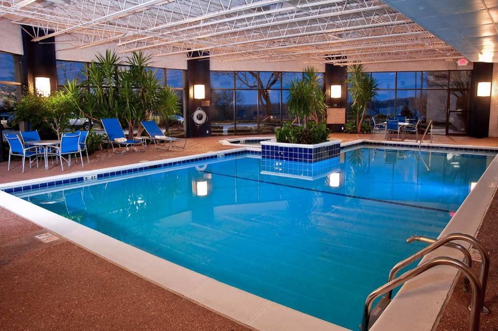 DoubleTree by Hilton Hotel St. Louis - Westport
