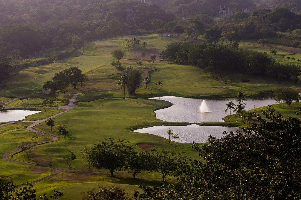 Radisson Summit Hotel And Golf