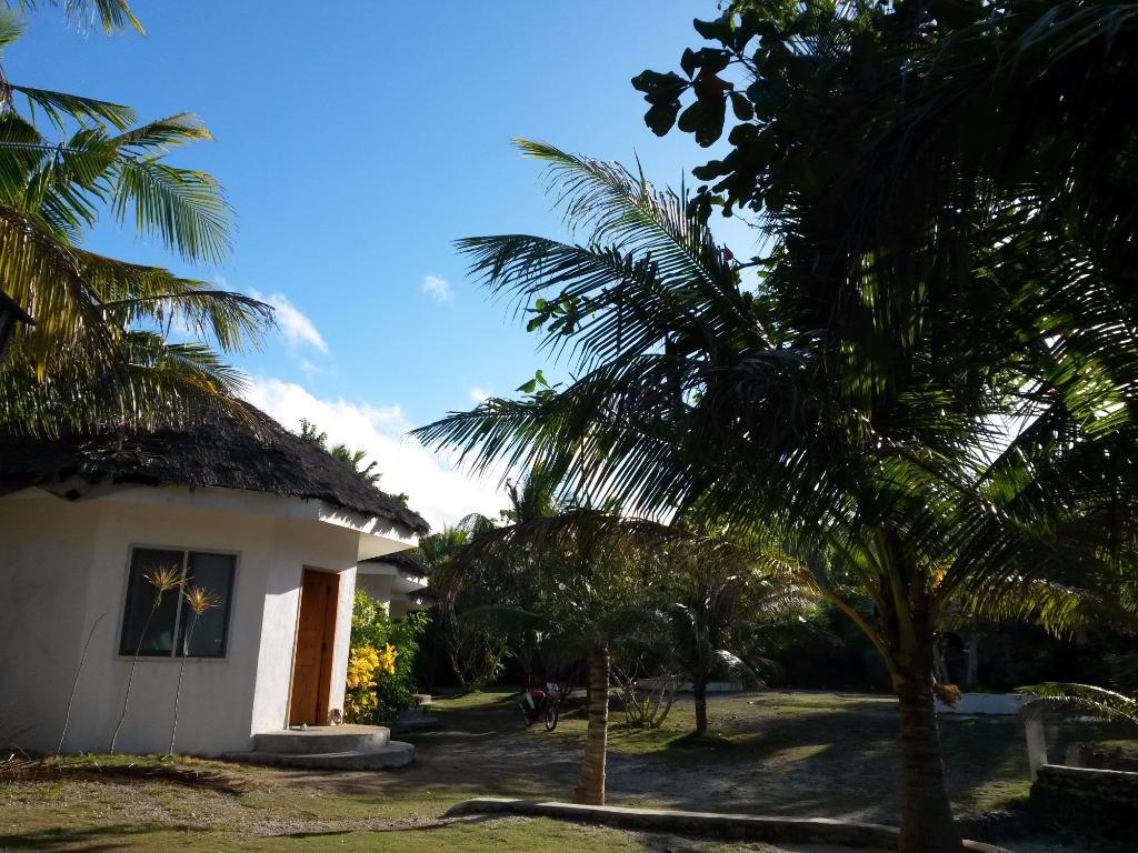 JohnLhea Beach & Leisure Resort