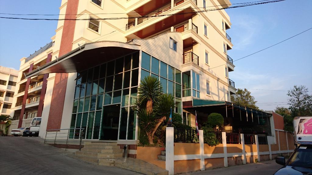 Embryo Hotel