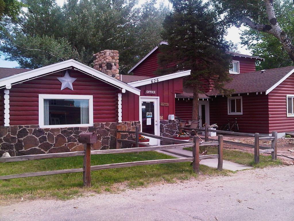 Z-Bar Motel