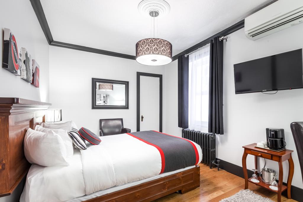 Hotel Louisbourg
