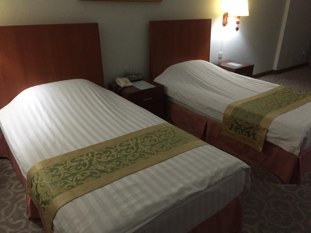 โรงแรมกุหลับพลาซ่า