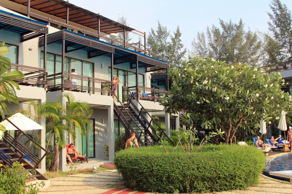 Maya Koh Lanta Resort