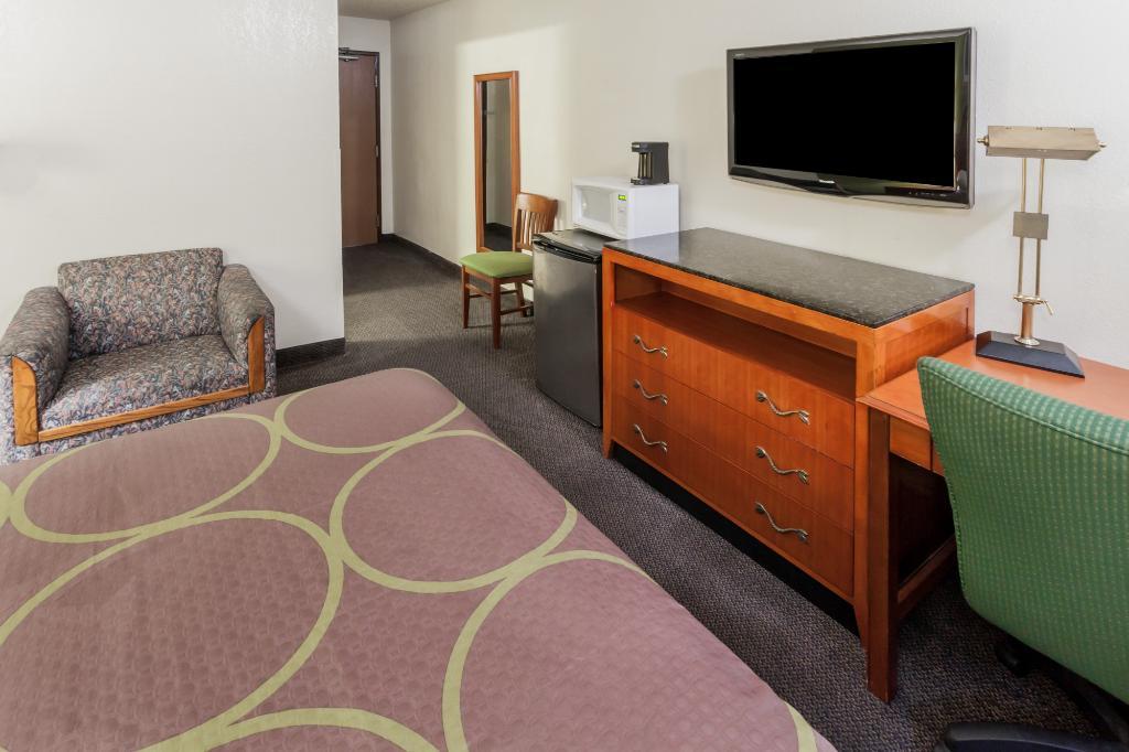 梅里爾維爾蓋理速 8 飯店
