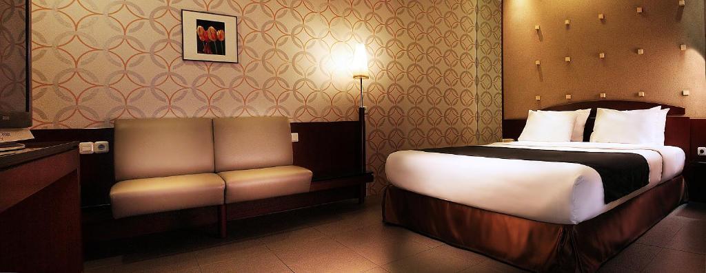 Nyland Hotel Cipaganti