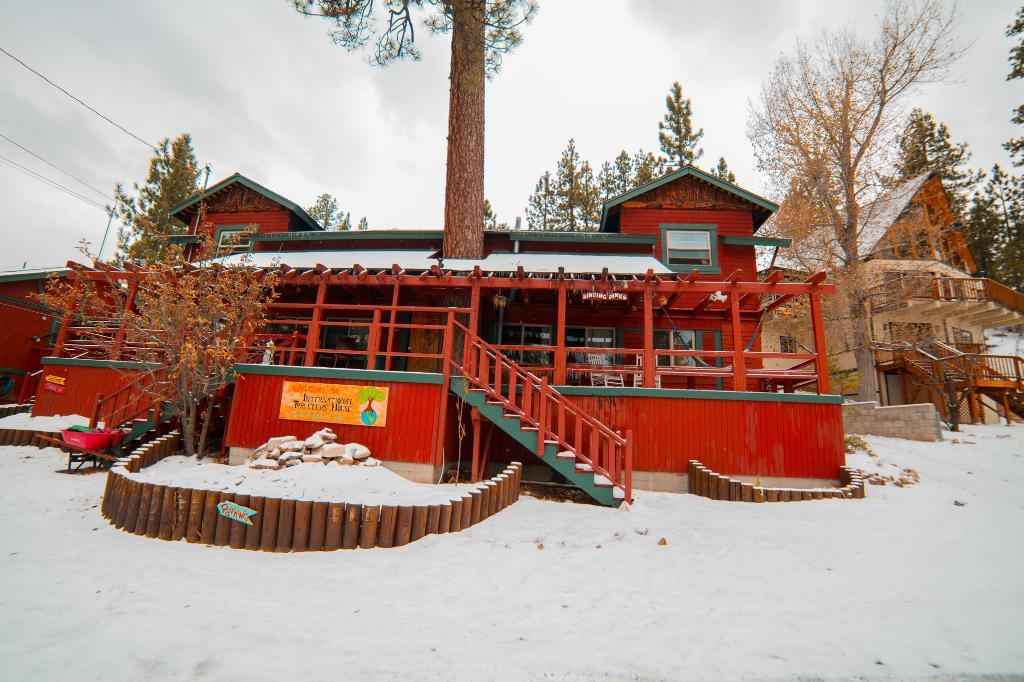 ITH Big Bear Mountain Adventure Lodge
